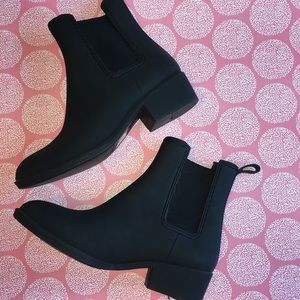EUC Jeffrey Campbell Stormy rain boot ankle rubber